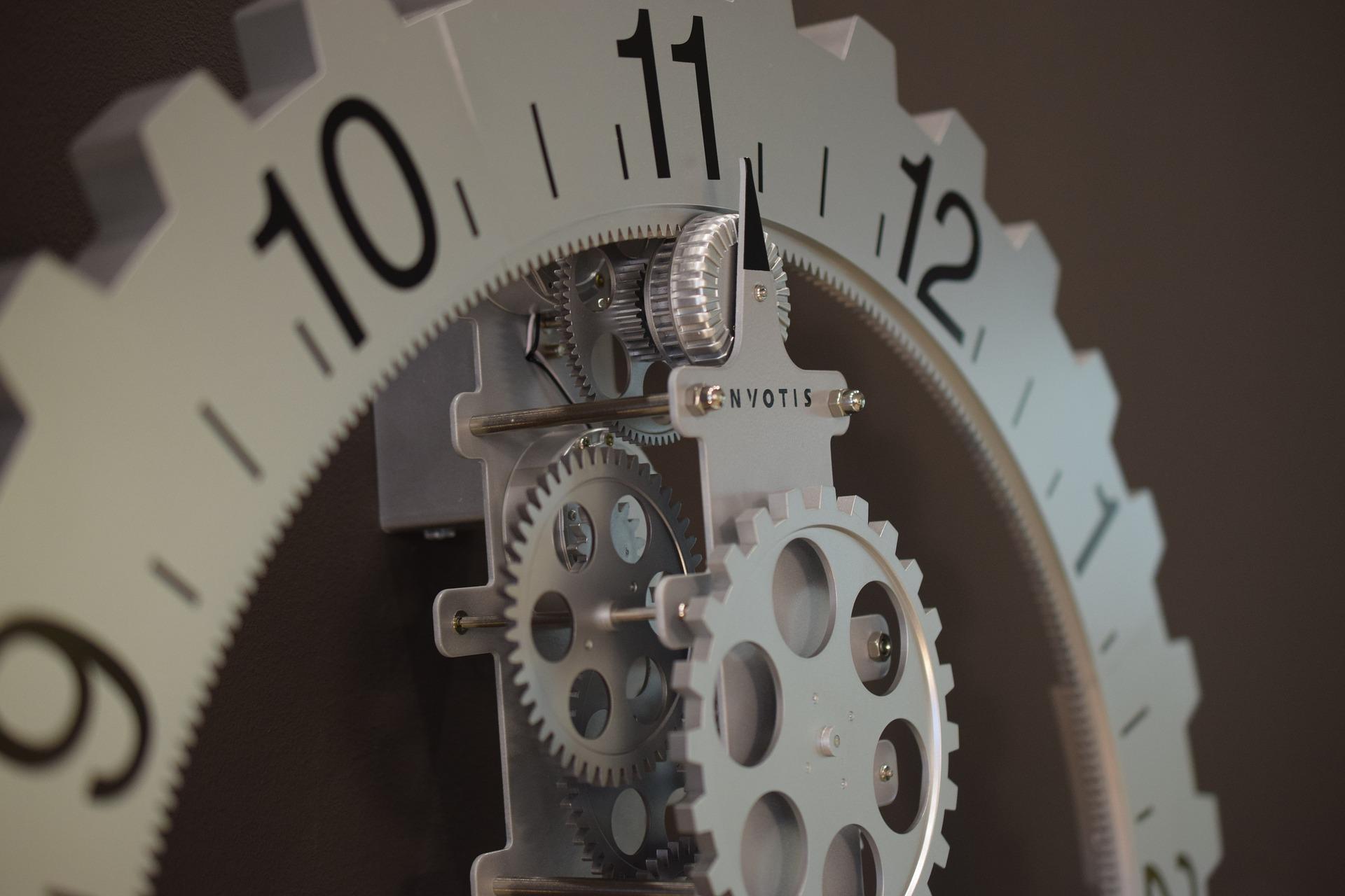 clock-2567921_1920